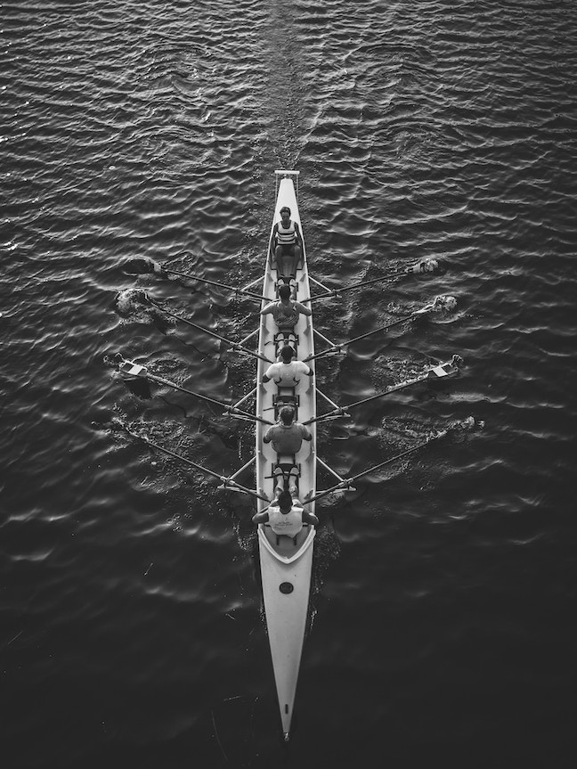 team rowing - matteo-vistocco-unsplash small